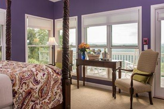 Inn at Riverbend: Palisades Room
