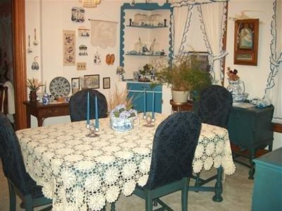 The Big Oak Bed & Breakfast Country Inn: Dining Area