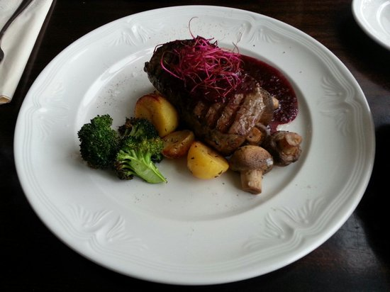 The Settlement Centre Restaurant: Grilled Horse Fillet Served with Potatoes, Greens & Red Wine Based Wildberry Sauce