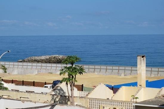 Hotel Restinga : vista do quarto para o lado da praia