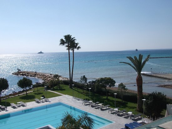 Crowne Plaza Limassol: View of the bay