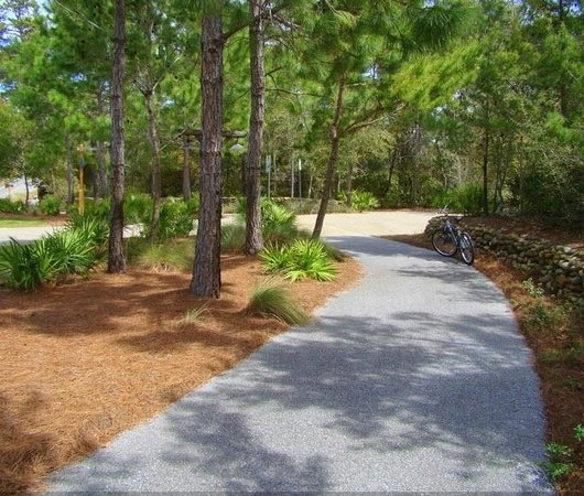 Gulf Place: biking/running trails in front of condo