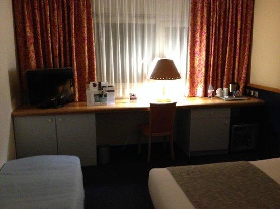 Mercure Annemasse Porte de Geneve: Room