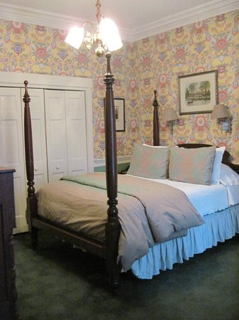 Mary Prentiss Inn: Room 1
