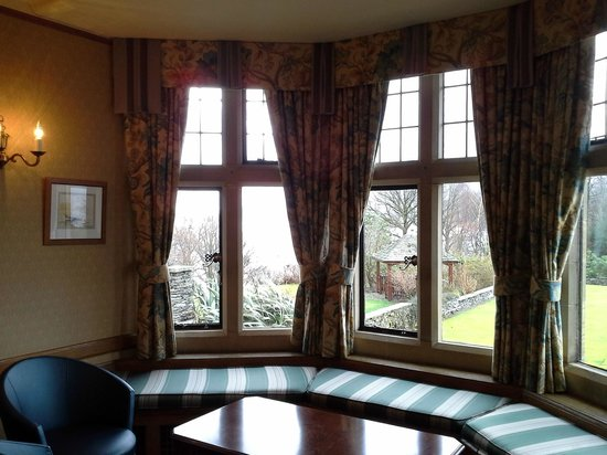 Cragwood Country House Hotel: My favourite spot, in the window seat