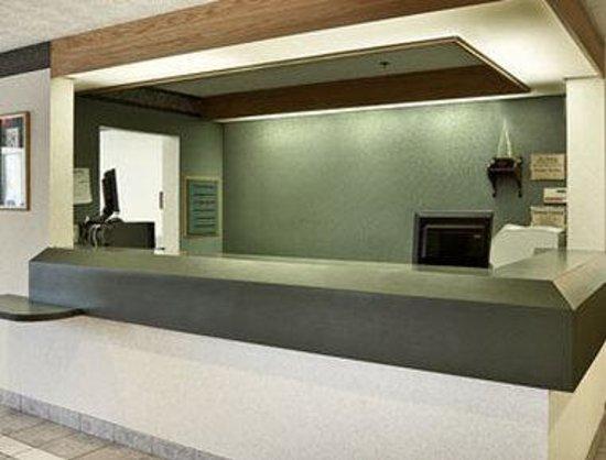 Ramada Limited Strasburg Dover: Lobby