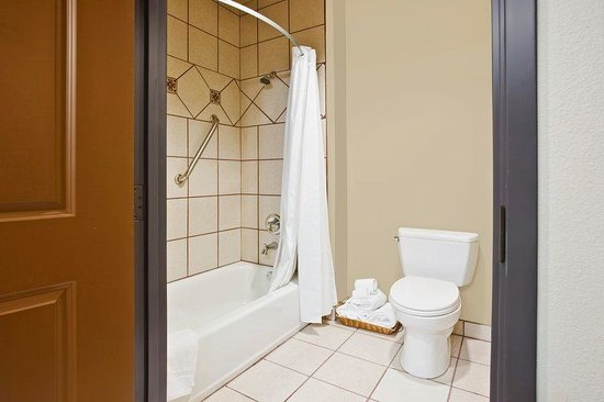 La Hacienda Inn Alamodome/Riverwalk: Double Bath