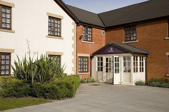 Premier Inn Waltham Abbey Hotel: Exterior