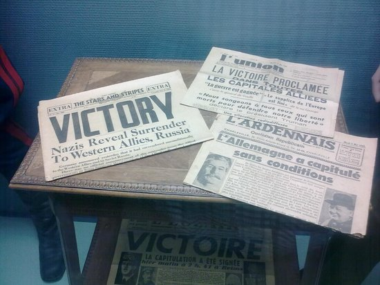 Museum of the Surrender: Newspaper front pages