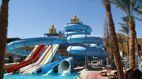 Lilly Land Beach Club Hotel : Аквапарк с теплым бассейном