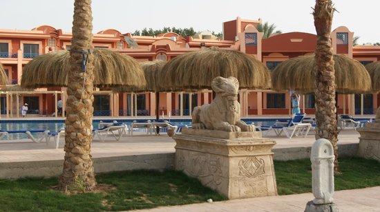 Lilly Land Beach Club Hotel : новые номера и новый бассейн