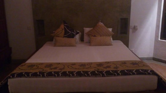 Villa Sandalwood : Night view of the suite room
