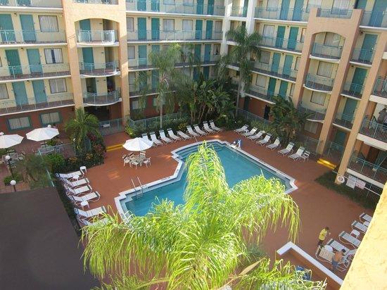 BEST WESTERN PLUS Deerfield Beach Hotel & Suites: Area de piscina