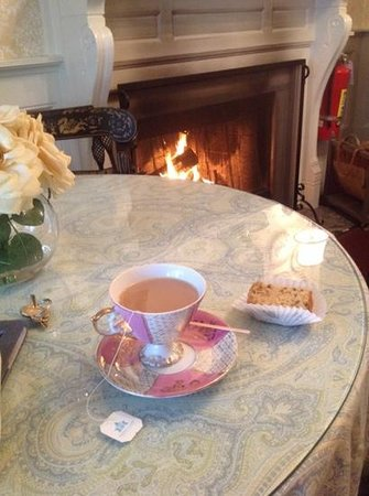 Mary Prentiss Inn: afternoon tea