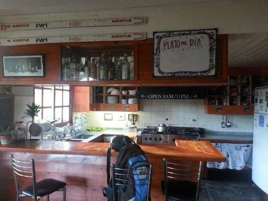 Green House Hostel Bariloche: kitchen