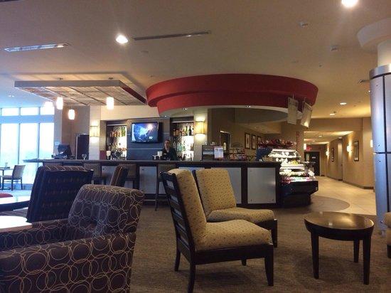 Cambria Hotel & Suites: Bistro