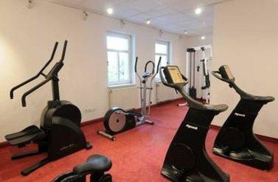 gym picture of azimut hotel dresden dresden tripadvisor. Black Bedroom Furniture Sets. Home Design Ideas