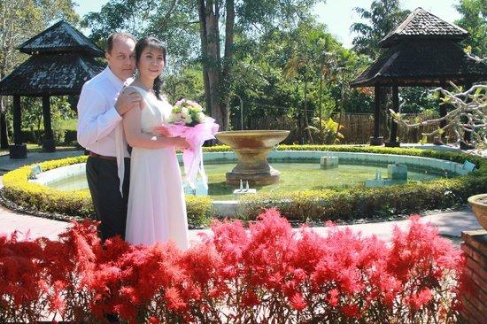 Wiang Indra Riverside Resort: บริเวณโดยรอบของโรงแรม