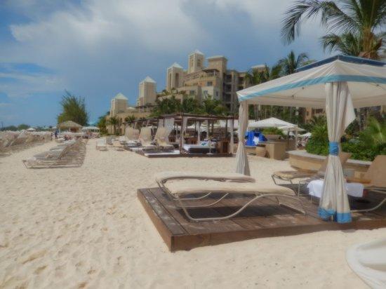 The Ritz-Carlton, Grand Cayman: Beach Cabanas