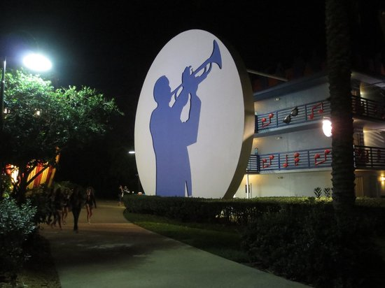Disney's All-Star Music Resort : Enjoyable grounds to stroll through !