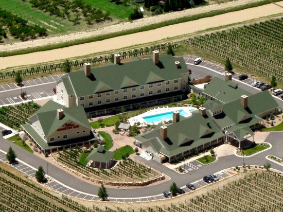Wine Country Inn: Bird's eye view from the Bookcliff