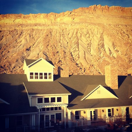 Wine Country Inn: Beautiful views of the Bookcliffs