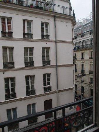 Mercure Paris Opera Faubourg Montmartre : Vue de la fenêtre