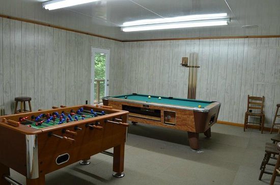Turkey Creek Campground: rec room