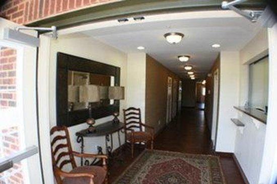 Stay Lodge of Auburn: Interior