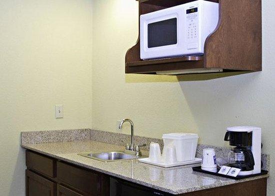 Comfort Inn Harrisburg: PAComfort Inn King Suite I