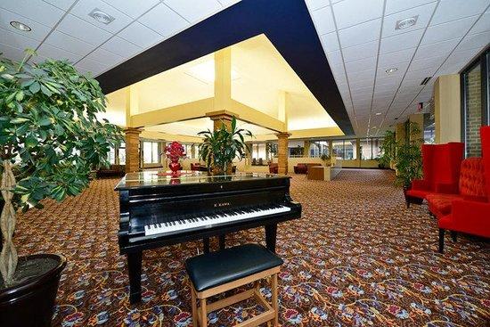 Causeway Bay Lansing Hotel : Lobby(Grand Piano)