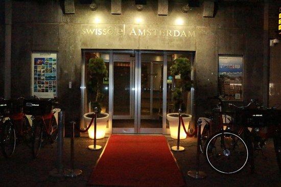 Swissotel Amsterdam : Facciata esterna dell'hotel