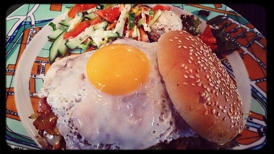 Eetcafé 't Centrum: Broodje Narigheid