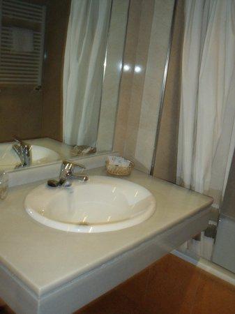 Bezana Lago Hotel: Baño