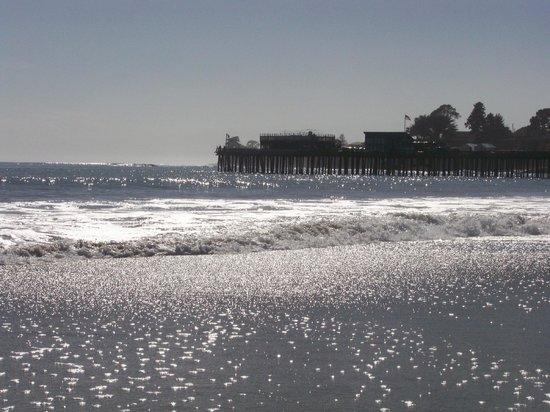 Capitola City Beach: Water glistens