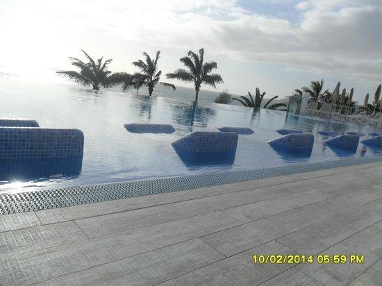 ClubHotel Riu Gran Canaria : new infinity pool area