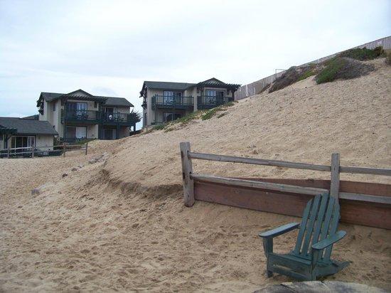 Sanctuary Beach Resort: Resort view from the beach