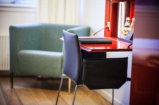 First Hotel Twentyseven: Work Space