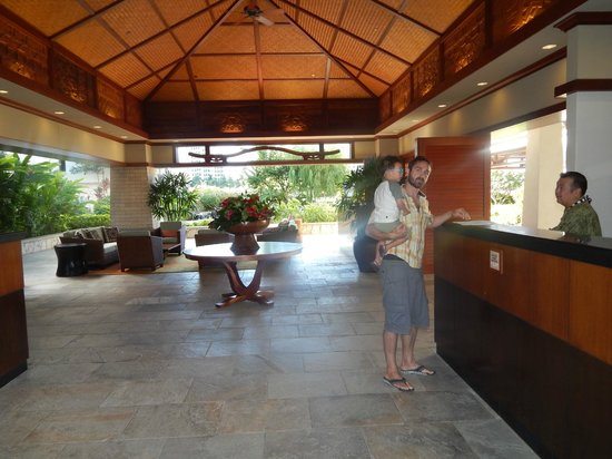 Beach Villas at Ko Olina: Reception area