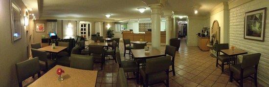 La Quinta Inn San Diego Chula Vista: dining area