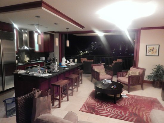Beach Villas at Ko Olina: Night time view of the room