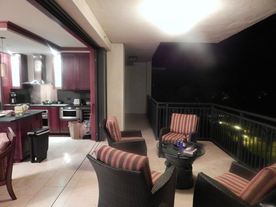 Beach Villas at Ko Olina: The lanai area