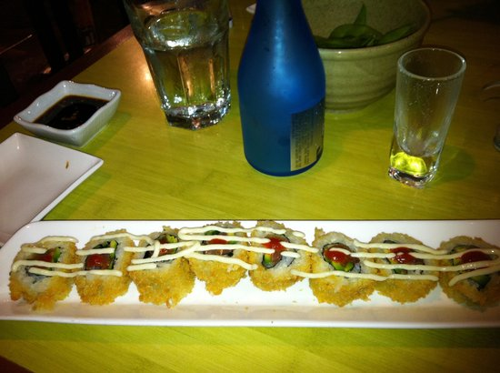 Tona : Sushi and sake