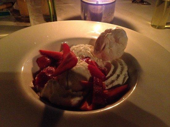 Taste Bar & Grill: Delicious dessert