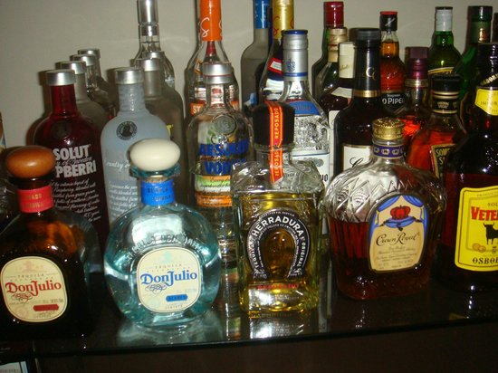 Top shelf liquor - Picture of Breathless Punta Cana Resort