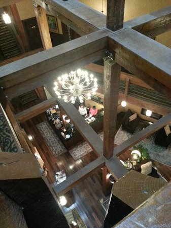 Ansonborough Inn : View From 3rd Floor Looking Down To Lobby