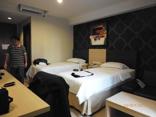 Avissa Suites: Our room