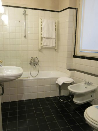 Mercure Milano Centro: Bathroom