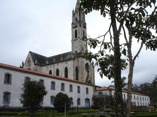 Santuario do Caraca : Vista da pousada e igreja