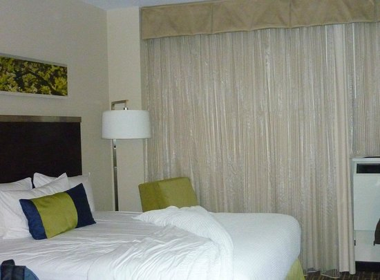 Residence Inn New York Manhattan / Midtown East: letto queen size ma largo